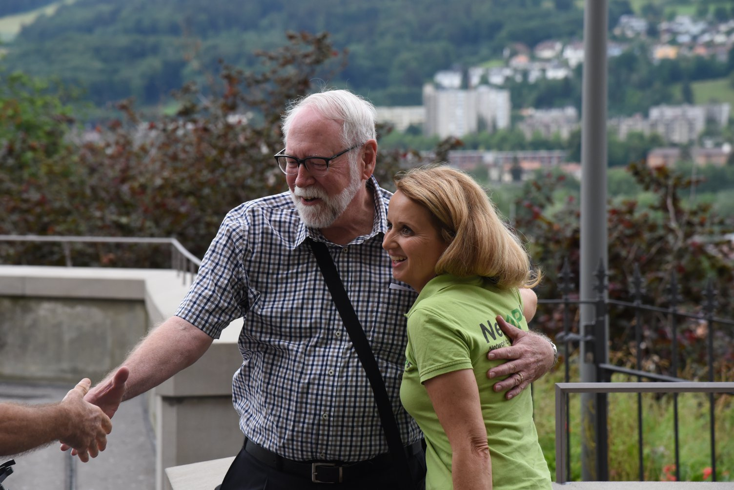 Présidente de NetAPP, Esther Geisser et Prominenter Unterstützer der Petition: Dr. Dennis Turner, Katzenforscher und Zoologe